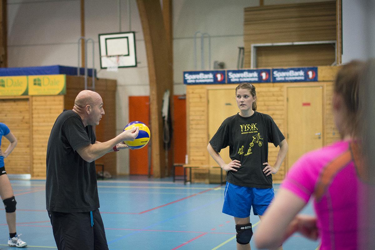 141019oav_peikestokken_volleyball_0266